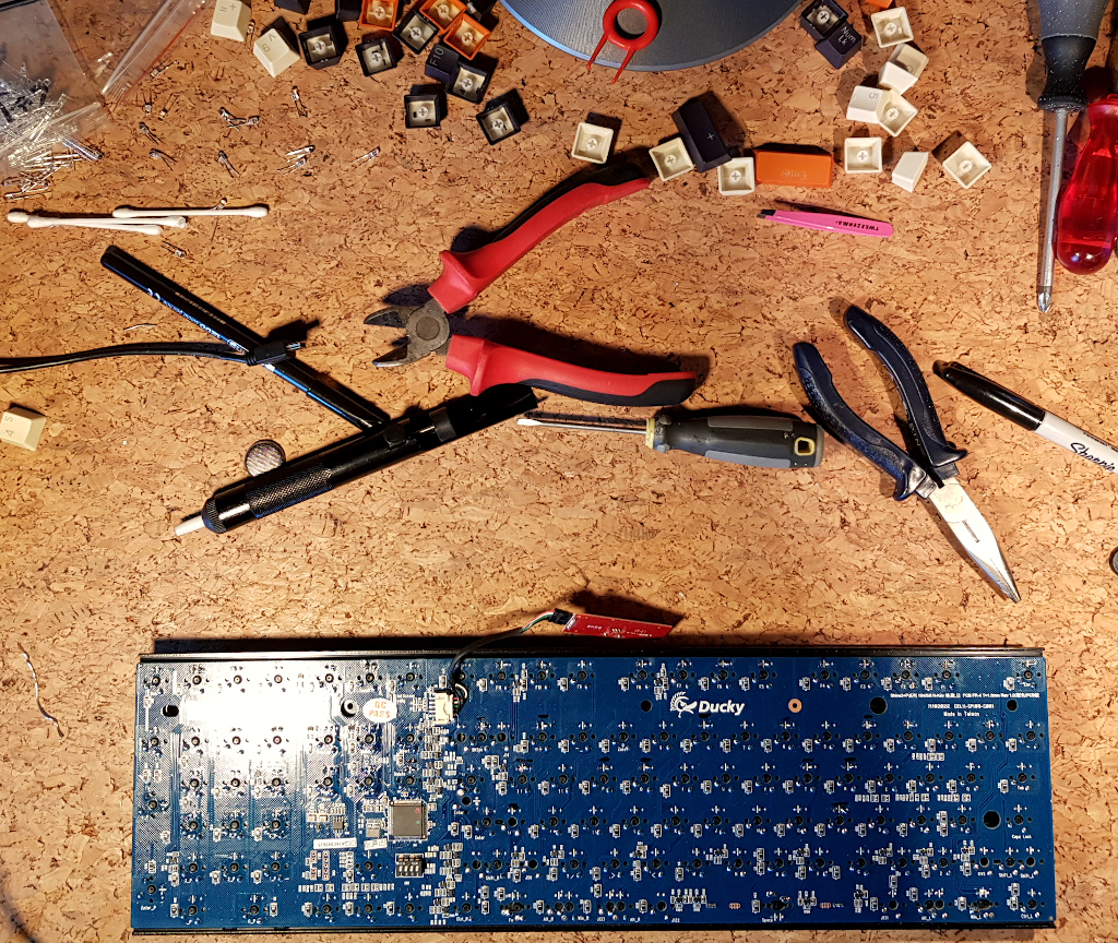 Ducky keyboard ready for repair